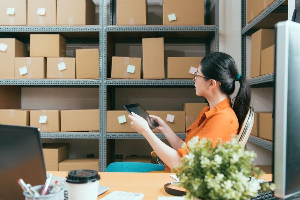 Como organizar o estoque de um e-commerce e de uma loja física?